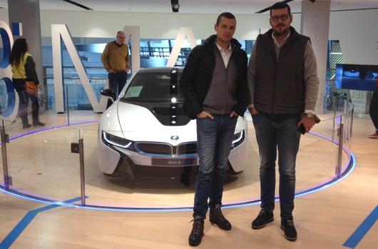BMW kupci u poseti sedištu kompanije BMW