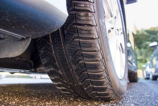 Ne uništavajte zimske gume vozeći po vrelom asfaltu