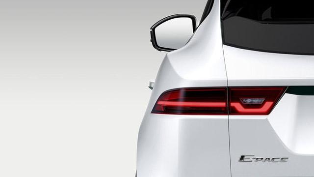Jaguar E-Pace na prvoj fotografiji, zvanična premijera u julu