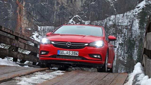 Bezbedna navigacija tokom doba godine sa smanjenom vidljivošću uz pomoć Opelovih svetlosnih inovacija