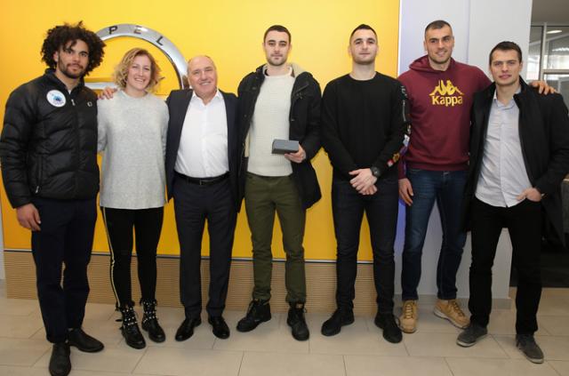 Svaka čast - Opel za medalju