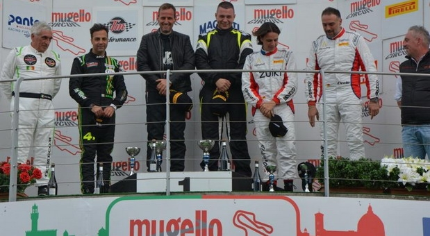 "Jovan Lazarević iz Kraljeva, pobedio sa ""poršeom 991 GT3″ u Italiji"