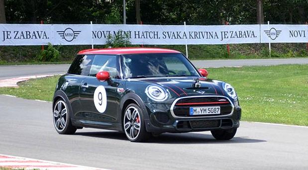 Novi Mini JCW počeo sa prodajom u Srbiji