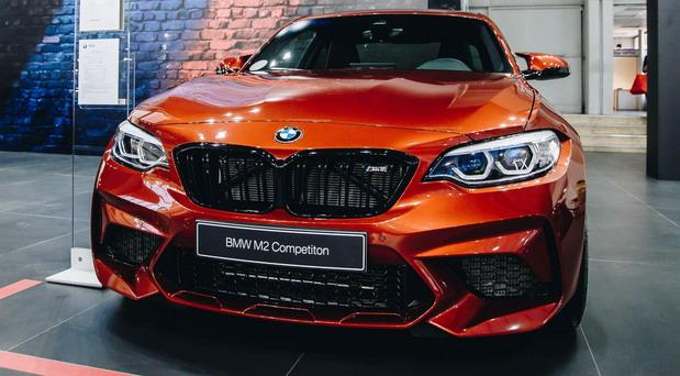 BMW M2 Competition i BMW M5 Competition na salonu automobila u Beogradu