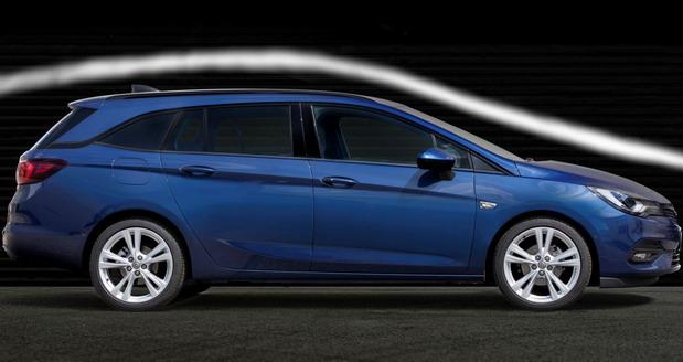 Kraljevi aerodinamike: Nova Opel Astra deli krunu sa modelom Calibra - Ekipa emisije Auto Moto Show na velikoj premijeri uskoro, pre sajma