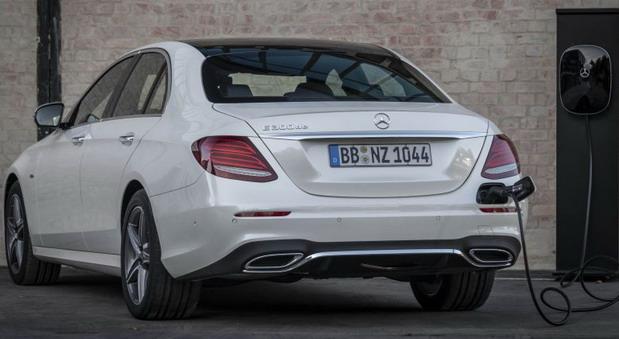 Mercedes-Benz E300de Plug-in Hibrid u Srbiji