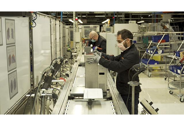 Od proizvodnje automobila do ventilatora: SEAT pravi automatske ventilatore